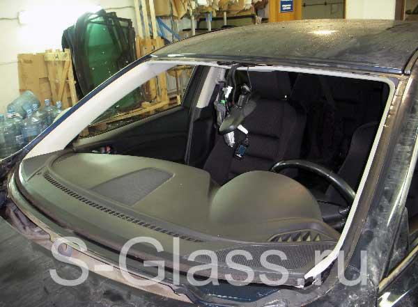 Заднее стекло на мазда 3 2004 с доставкой
